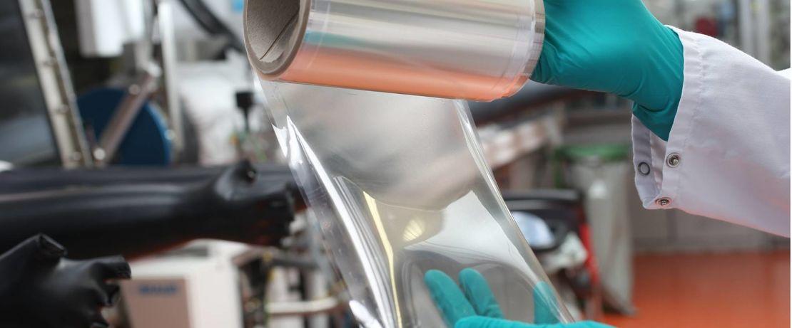 Die Polymerchemie der innovativen AEM-Membran von Evonik ist der Schlüssel für die Leistungsfähigkeit und Effizienz der Wasser-Elektrolyse.